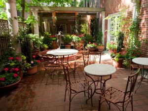 Mediterranean-Patio